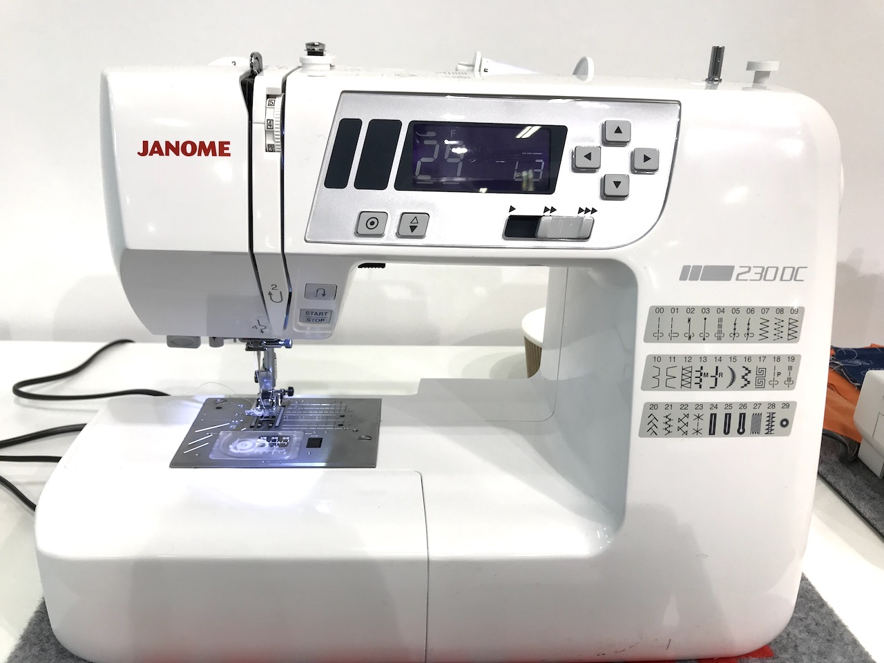 Janome DC230